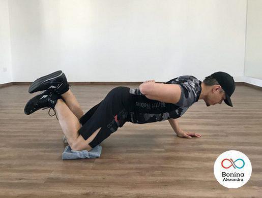 Отжимания на одной руке: техника, работающие мышцы, польза