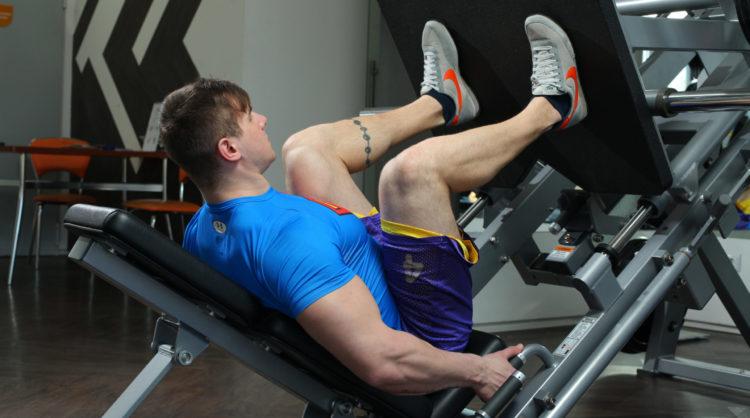 Тренировочная программа для выполнения жима ногами