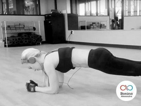 Как правильно делать планку для похудения и можно ли с помощью упражнения похудеть в животе и боках?