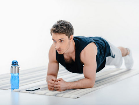 Планка для мужчин: польза и вред, программа и эффективность упражнения