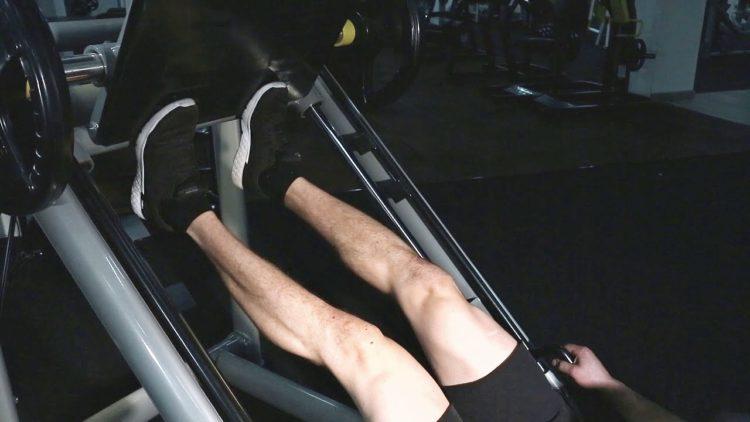 Эффективен ли жим носками в тренажере на икры