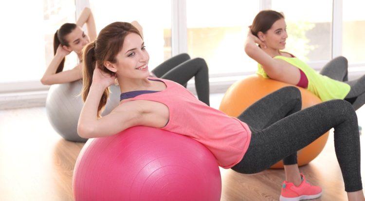 Как правильно заниматься на фитболе при остеохондрозе