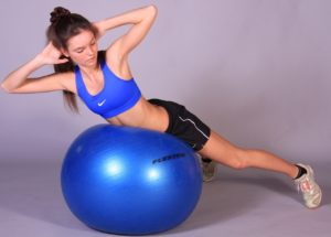 Польза упражнений на фитболе