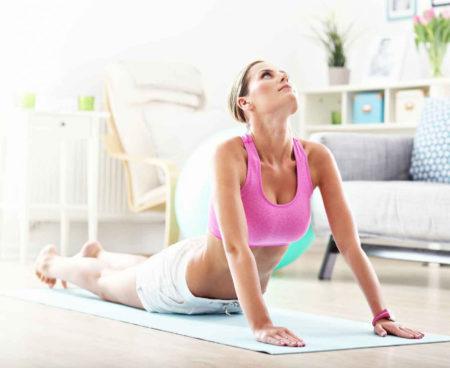 Какими упражнениями расслабить шею и плечи